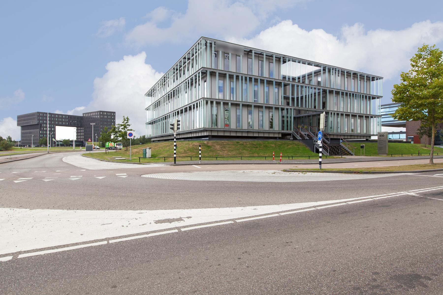 buitenzijde kantoorgebouw Utrecht Orteliuslaan
