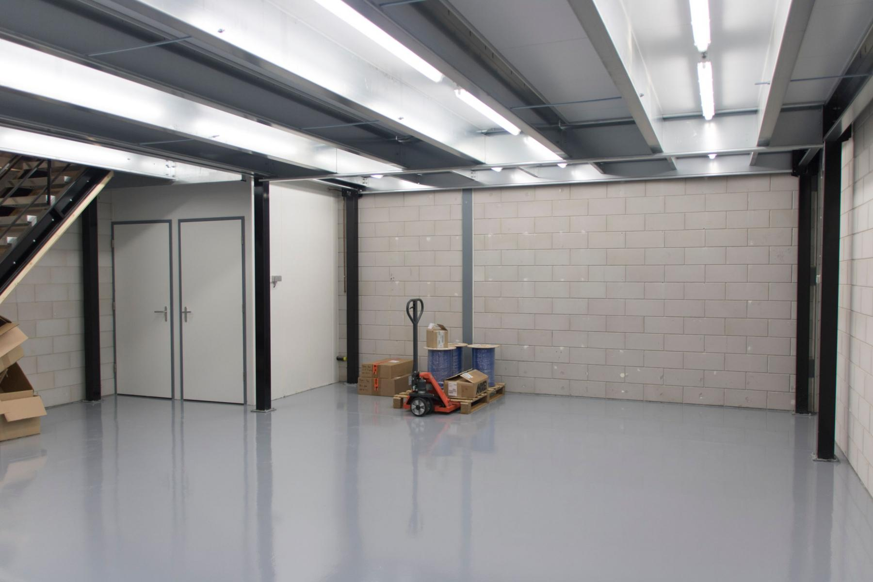 kantoorruimte huren aan kerkhofstraat in valkenswaard met opslagruimte