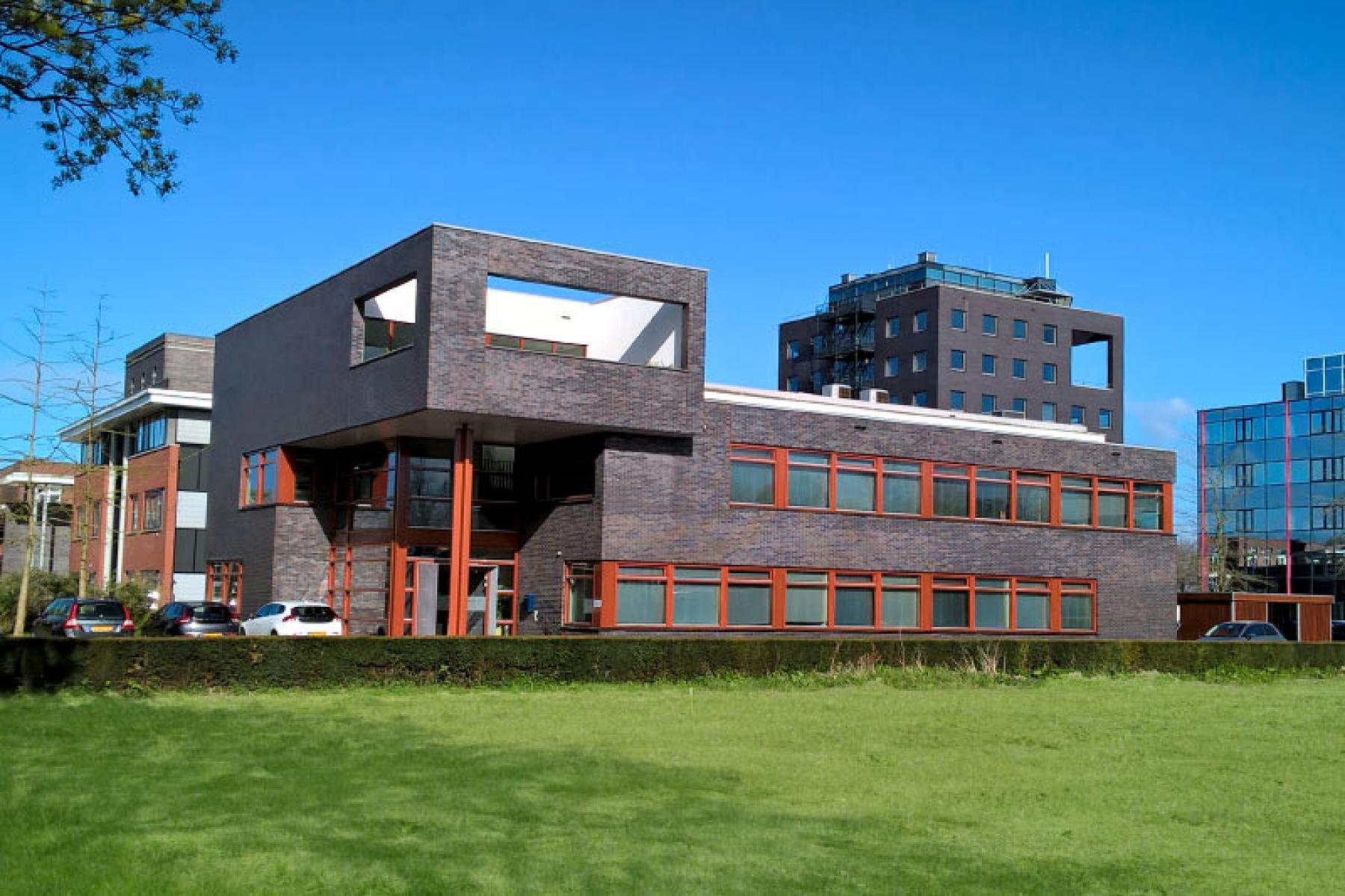 kantoorpand buitenkant voorgevel Veenendaal SKEPP