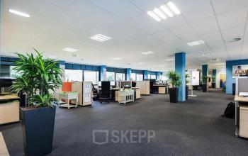 Gemeubileerde verdieping kantoorgebouw Zwolle Meeuwenlaan